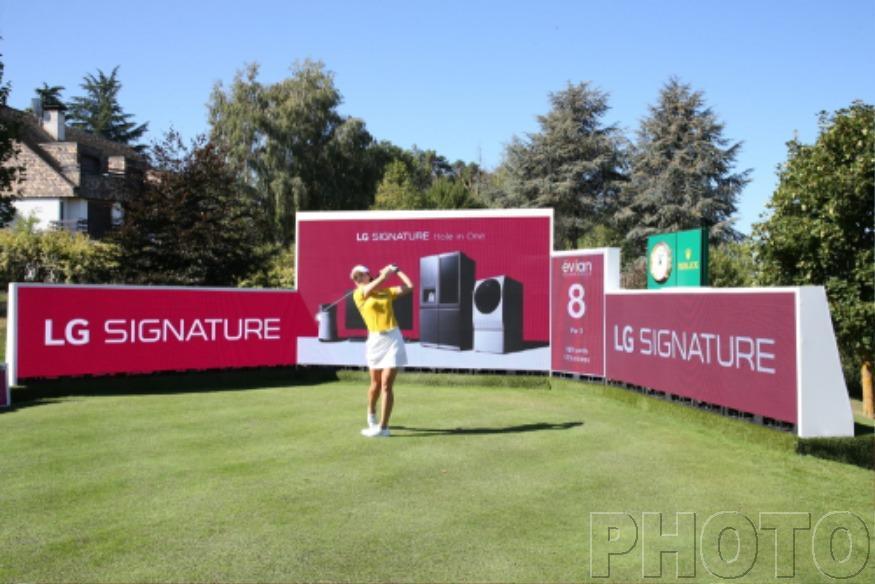 메이저-골프대회-'에비앙-챔피언십'-빛낸-超프리미엄-'LG-시그니처'_전인지.jpg